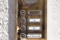 Des interphones pour se sentir en sécurité