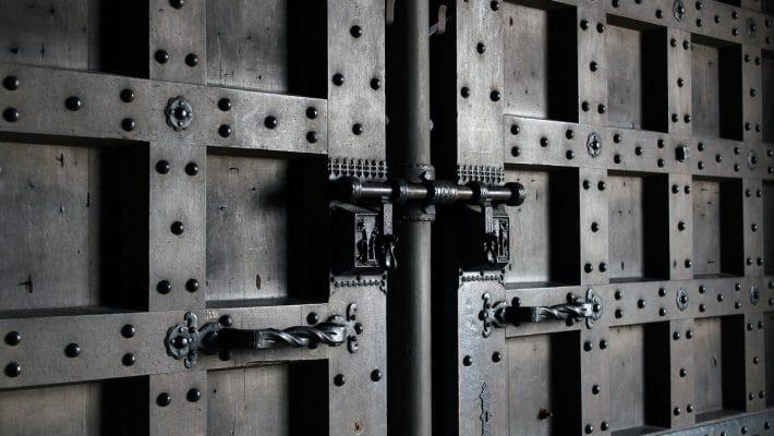 Comment sécuriser sa porte d'entrée ?