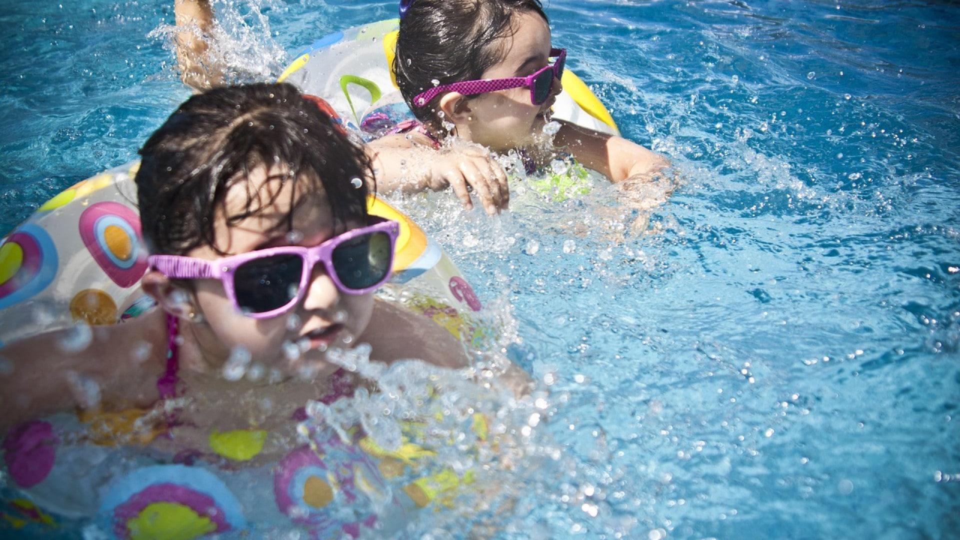 Une simple coque pour profiter de votre piscine !